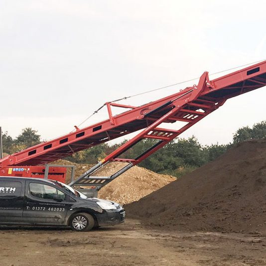Thames Materials Buy New 80′ Tracked Radial Conveyor Stockpiler